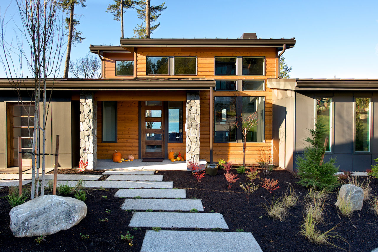 Strandberg construction custom homes and design for Custom design house